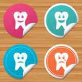Icônes de visage de sourire de dent Heureux, triste, cri illustration libre de droits