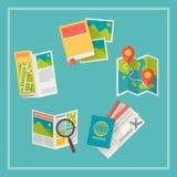 Icônes de voyage et de carte réglées image stock