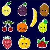 Icônes des autocollants souriants de fruit avec un contour blanc dans l'ensemble illustration libre de droits
