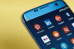 Icônes sociales d'application de réseau Photographie stock