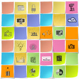 Icônes tirées par la main de stratégie commerciale sur la note collante Image libre de droits