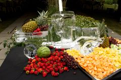Ice carving with Cheese-pineapple-strawberries Royalty Free Stock Photography