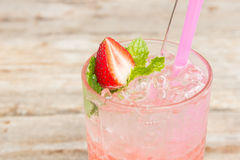Ice cold strawberry lemonade Royalty Free Stock Images