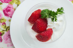 Ice-cream cake strawberry Royalty Free Stock Images
