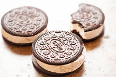Ice cream sandwich Oreo - chocolate flavoured sandwich biscuits filled with vanilla flavour ice cream with crushed biscuit royalty free stock image