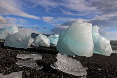 Ice floes on the shore of the Atlantic Royalty Free Stock Photos