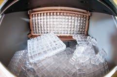 Free Ice Machine Royalty Free Stock Photos - 44331738