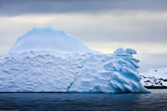 Iceberg antártico Imagen de archivo libre de regalías