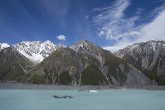 Iceberg che galleggiano nel lago Tasman in Nuova Zelanda Fotografia Stock Libera da Diritti