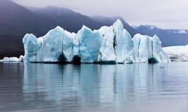 Iceberg a continuación Imagenes de archivo