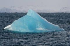 Iceberg dans des fiors de Nuuk images libres de droits