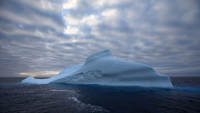 Iceberg dans l'ANTARCTIQUE Image stock