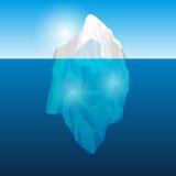 Iceberg dans l'océan, Photo stock