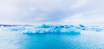 Iceberg dans la lagune de Jokulsarlon, Islande image libre de droits