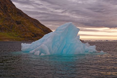 Iceberg dans le fjord de Nuuk image stock