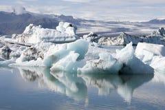 Iceberg di galleggiamento in Islanda Immagine Stock Libera da Diritti