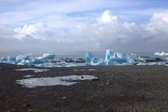 Iceberg di Jokulsarlon sul fiume Immagini Stock Libere da Diritti