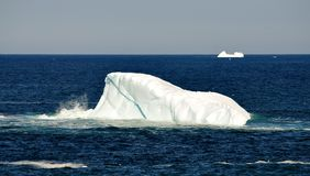 Iceberg do Saddleback perto de Terra Nova Foto de Stock