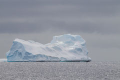 Iceberg dramatique en Antarctique Images stock