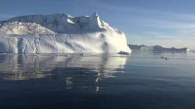 Iceberg e geleira do mar de Gronelândia video estoque