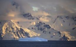 Iceberg em Continente antárctico Fotografia de Stock