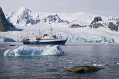 Iceberg em Continente antárctico Fotos de Stock