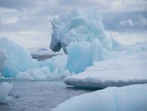 Iceberg em Esperanza na Antártica imagens de stock