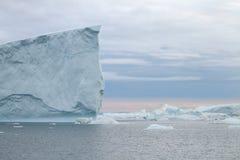 Iceberg em Ilulissat no por do sol Foto de Stock Royalty Free