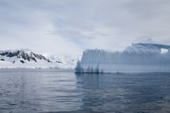Iceberg en Antarctique Photo libre de droits
