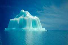 Iceberg en el mar Fotos de archivo libres de regalías
