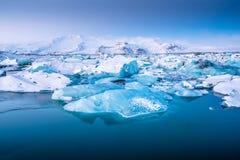 Iceberg en la laguna del hielo - Jokulsarlon, Islandia Fotografía de archivo libre de regalías
