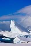 Iceberg enorme in Antartide immagine stock