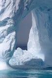 Iceberg fora da costa de Greenland Fotografia de Stock Royalty Free