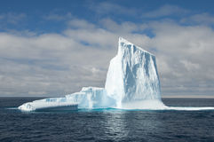 Iceberg grande em Continente antárctico imagem de stock royalty free