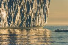 Iceberg incagliati alla bocca del Icefjord vicino a Ilulissat, G Fotografie Stock Libere da Diritti