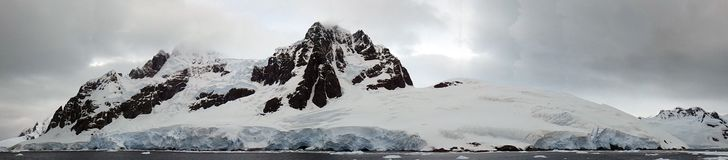 Iceberg and mountains in Antarctica Royalty Free Stock Photography
