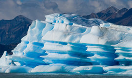 Iceberg na água, a geleira Perito Moreno argentina Imagem de Stock Royalty Free