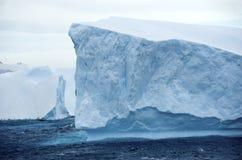 Iceberg Tabular Continente antárctico Imagens de Stock