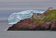 Iceberg y fuerte Amherst Imagen de archivo