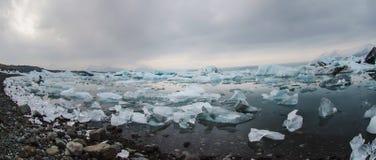 Icebergs à la lagune de glacier Images stock