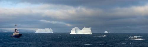 Icebergs antárticos Foto de archivo libre de regalías
