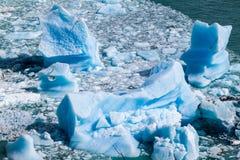 Icebergs cerca del glaciar de Perito Moreno en el parque nacional Glaciares, Argenti foto de archivo