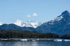 Icebergs dans les eaux de l'Alaska Image libre de droits
