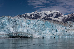 icebergs de flottement de hubbard de glacier de plan de l'Alaska petits Photographie stock