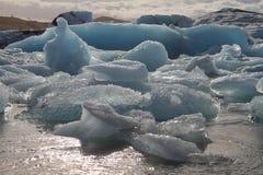 Icebergs en Islande Photos stock