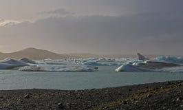 Icebergs en Islandia Fotos de archivo libres de regalías
