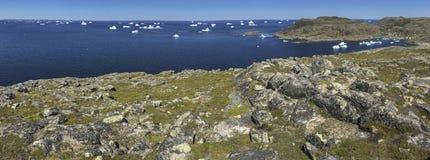 Icebergs en la isla de Fogo, panorama Imagen de archivo libre de regalías