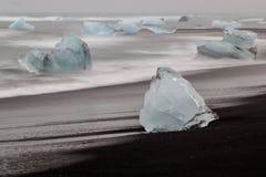 Icebergs en la playa Fotos de archivo