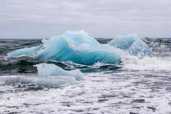 Icebergs en laguna del ³ n del rlà del ¡de Jökulsà Fotografía de archivo libre de regalías