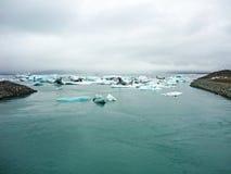 Icebergs floating from Jokulsalron lake to Atlantic ocean, Iceland Royalty Free Stock Photos